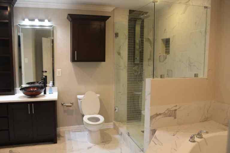 Richardson upstairs bathroom