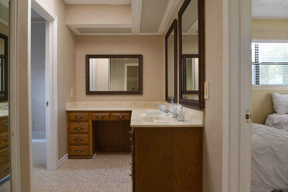 The bathroom in our NE dallas sober living house. This is the upstairs bathroom