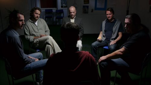 Picture of a typical sober living meeting